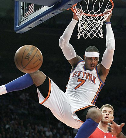 Carmelo Anthony helps the Knicks build an 18-point lead before New York's reserves fend off the Clippers' late rally.  (AP)