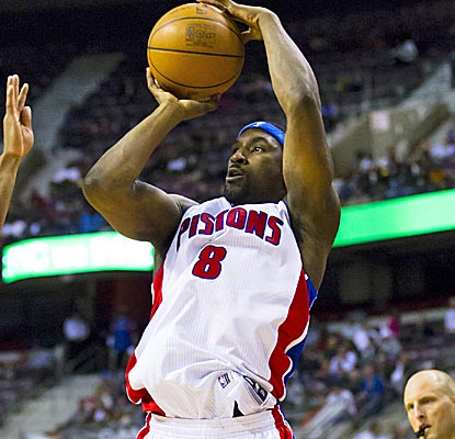 Pistons guard Ben Gordon sets a frachise record by hitting seven 3-pointers in the second quarter alone.  (US Presswire)