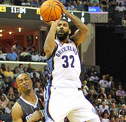 O.J. Mayo scores 15 points and grabs seven rebounds off the bench as the Grizzlies clinch home court in the first round.  (US Presswire)