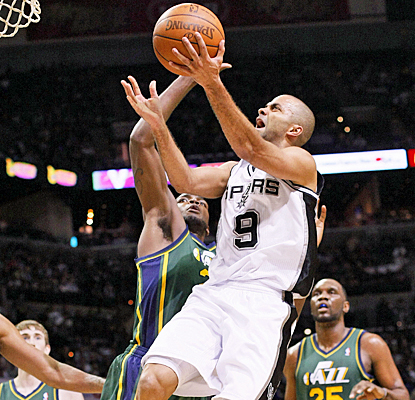 Tony Parker goes up for two of his game-high 18 points as the Spurs cruise to a victory in Game 2. (US Presswire)