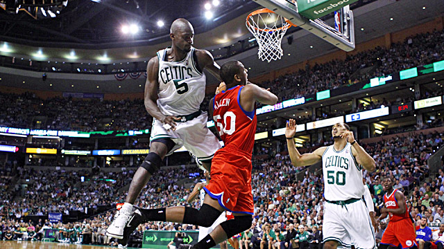 Garnett comes up big for the Celtics in Game 1, scoring 29 points and grabbing 11 rebounds. (US Presswire)