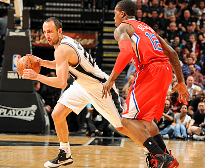 Manu Ginobili eludes the Clippers for 22 points as the Spurs roll to their 15th consecutive victory. (Getty Images)
