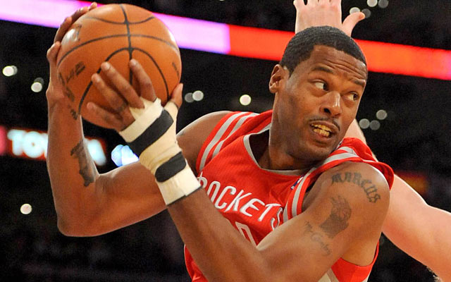 Marcus Camby could return to the Rockets as a free agent.  (USATSI)