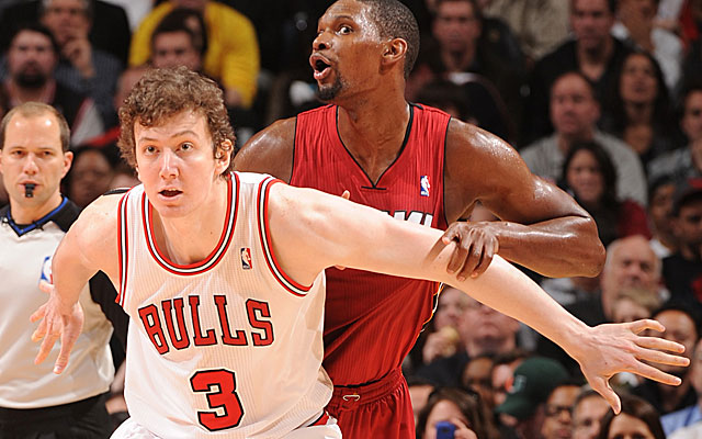 Letting a high-priced big body like Omer Asik go in free agency makes sense in Chicago. (Getty Images)