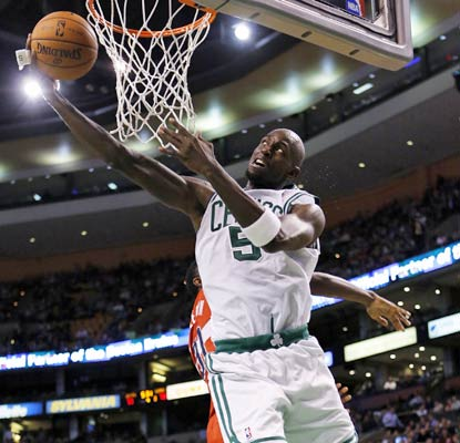 Kevin Garnett collects 20 points and 13 rebounds as the Celtics even their record at 2-2.  (US Presswire)