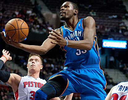 Kevin Durant scores 26 points as the Thunder overcome an 11-point fourth-quarter deficit. (US Presswire)