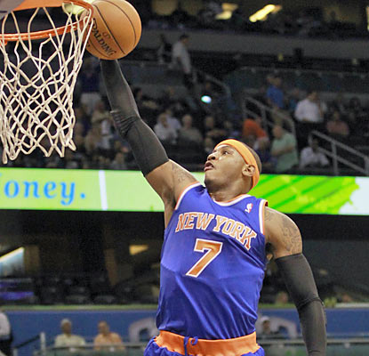 Melo scores a game-high 25 points and pulls down eight boards as the Knicks remain unbeaten. (AP)