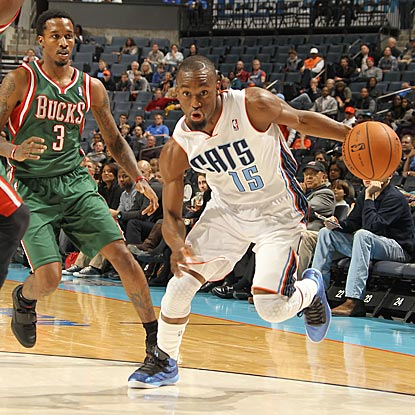 Charlotte's Kemba Walker, who scores 19 points on 7-of-13 shooting, helps deal Milwaukee its first road loss of the season. (Getty Images)