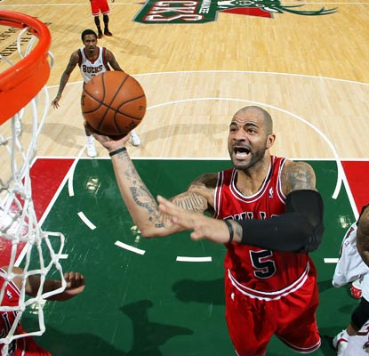 Carlos Boozer nets 22 points as the Bulls tally their ninth consecutive win over the Bucks, fifth straight in Milwaukee.  (Getty Images)
