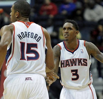 Al Horford and Lou Williams both score 17 points against the Bobcats to help the Hawks continue their winning streak.  (US Presswire)