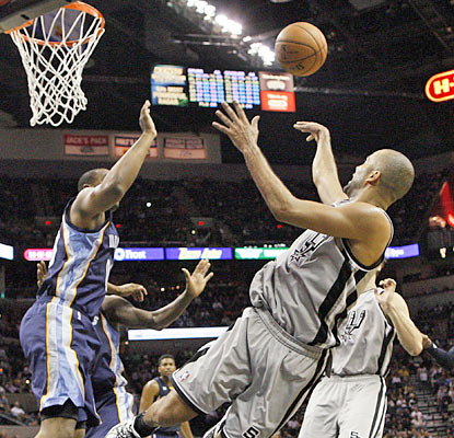 Tony Parker scores a game-best 30 points as the Spurs rally by outscoring the Grizzlies 39-22 in the fourth and OT. (US Presswire)