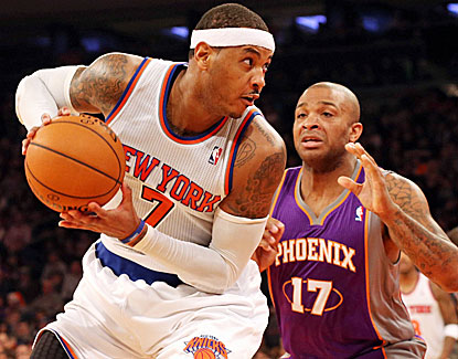 Knicks forward Carmelo Anthony continues his strong start, scoring 34 points against the Suns. (US Presswire)
