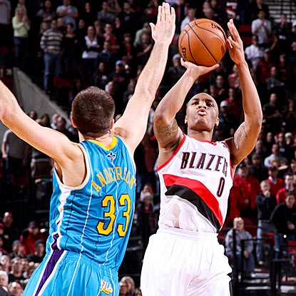 Portland's Damian Lillard shoots his winning 3-pointer over New Orleans power forward Ryan Anderson.  (Getty Images)
