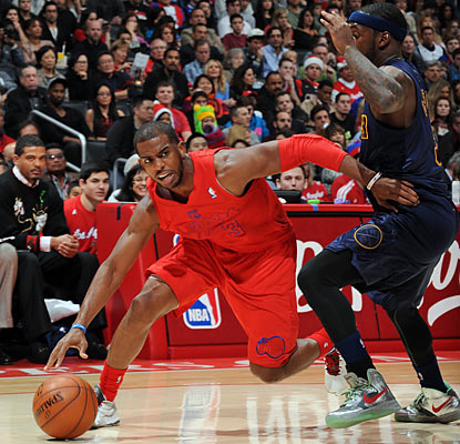 CP3 finishes with 14 points and eight assists as the Clippers own the best record in the NBA at 22-6.  (Getty Images)