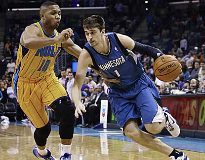 Minnesota's Alexey Shved scores 11 points with 7 assists in a losing effort at New Orleans. (AP)
