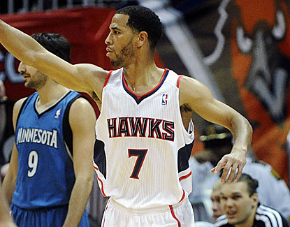 Jannero Pargo, a 33-year-old NBA journeyman on a 10-day contract, scores 16 points for the Hawks. (US Presswire)