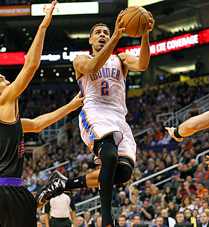 Thabo Sefolosha, who made a career-high 5 of 7 3-pointers, goes in for two of his 20 points against the Suns. (US Presswire)