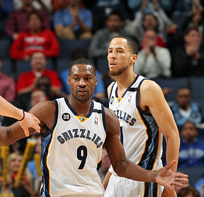Tony Allen (9) notches a season-high 19 points and also grabs nine rebounds in the win. (Getty Images)