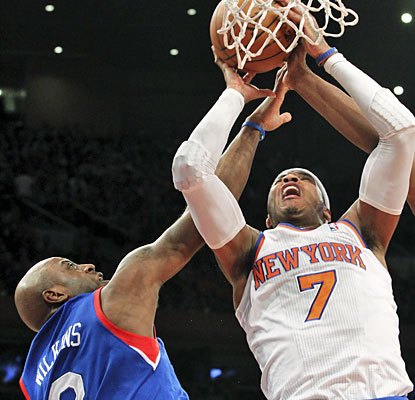Melo puts up 29 points, including 16 at the free-throw line, as the Knicks finally get back in the W column. (AP)