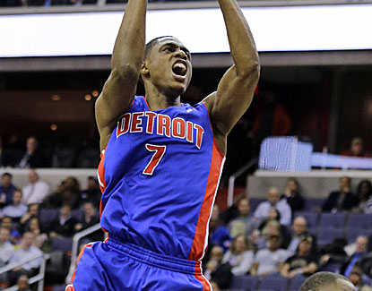 Brandon Knight returns from a right knee injury to score a career-high 32 points in the Pistons' victory. (AP)