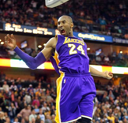 Kobe Bryant dominates the Hornets to the tune of 42 points, saving LA from an embarrassing loss.  (USATSI)