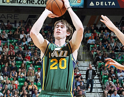Gordon Hayward scores 17 points in his first start since November, including a 3-pointer with 17 seconds left. (Getty Images)