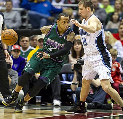 Monta Ellis connects for a season-high 39 points vs. Orlando, including a crucial 25 in the fourth quarter. (USATSI)