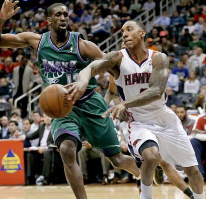 Jeff Teague scores 27 points -- 12 coming in the third quarter -- as the Hawks take care of the Bucks.  (AP)