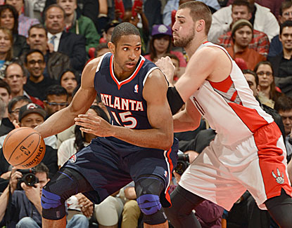 Atlanta big man Al Horford scores 10 of his 26 points in the fourth quarter of the Hawks' win over Toronto.