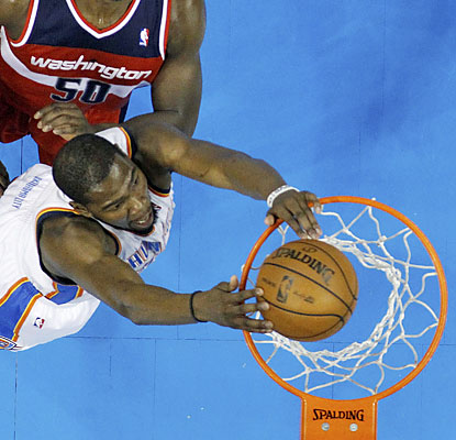 Kevin Durant fuels the Oklahoma City Thunder with 20 points, six assists and six boards in the win. (AP)