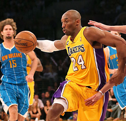 After scoring just four points in the first half, Kobe explodes in the fourth with 23 to fuel LA to victory. (Getty Images)