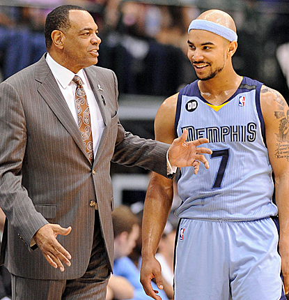 Jerryd Bayless scores 19 points, adding to the 64 that the Grizzlies' bench puts up in a big win.  (USATSI)