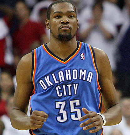 Kevin Durant puts up 41 points, helping the Thunder to a 26-point lead that nearly gets away from them.  (USATSI)