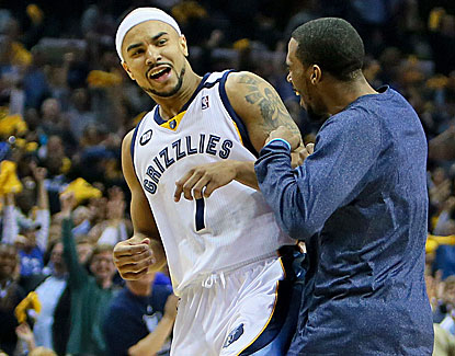 Jerryd Bayless scores 18 points, and the Grizzlies win their 4th straight to close out the Clippers. (USATSI)