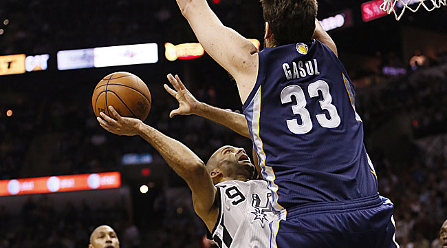 Marc Gasol displays his DPOY skills vs. Parker