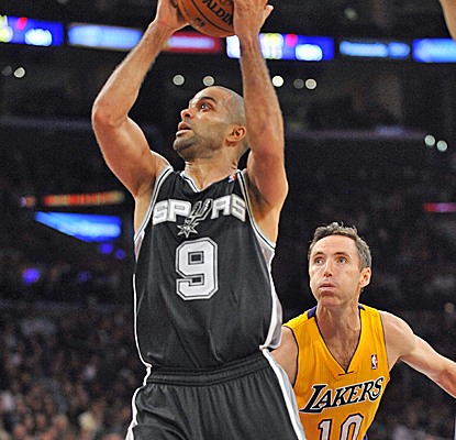 Tony Parker makes up for Tim Duncan's absence with 24 points and six assists to push the Spurs to 2-0.  (USATSI)