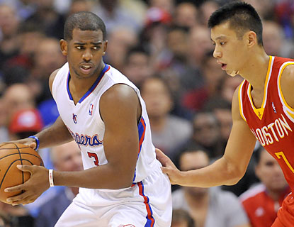 CP3, who finishes with 23 points and 17 assists, has his way against Jeremy Lin and the Rockets. (USATSI)