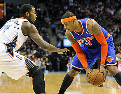 Carmelo Anthony pours in 28 points and grabs eight rebounds to lead the Knicks to a 10-point road win over Charlotte. (USATSI)