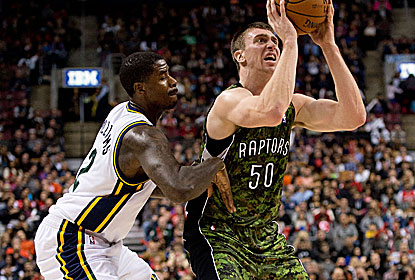 Tyler Hansbrough breaks out his best game of the season for the Raptors, who snap a 7-game home skid to Utah dating to '04. (USATSI)