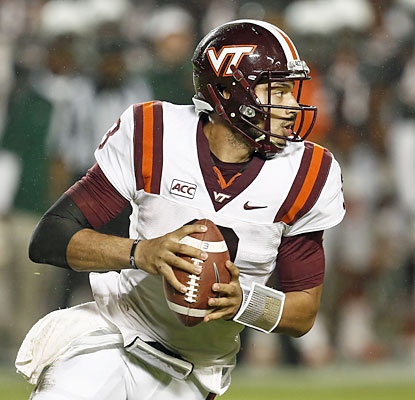 Hokies quarterback Logan Thomas finishes 25 of 31 for 366 yards and two TDs against the Canes.  (USATSI)