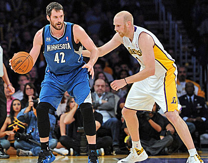 Kevin Love scores 18 points in the first quarter, finishing with 25 in Minnesota's win over the Lakers. (USATSI)
