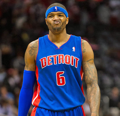 Josh Smith's first game in Atlanta since signing with the Pistons goes badly as he shoots 5 of 15 from the field.  (USATSI)