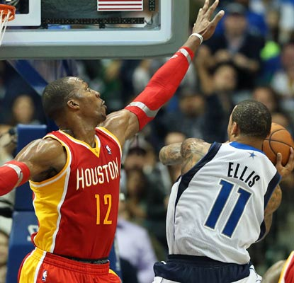 Dwight Howard scores a season-high 33 points, but Monta Ellis drops 37 to lead a fourth-quarter rally.  (USATSI)
