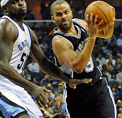 Tony Parker leads the way with 20 points as the Spurs pull away from Memphis late for their ninth straight win.  (USATSI)