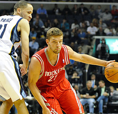 Chandler Parsons scores a team-high 17 points to help the Rockets rally past the Grizzlies. (USATSI)