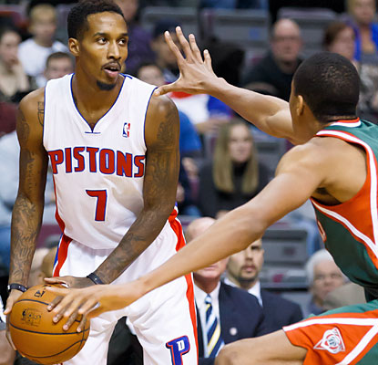 Brandon Jennings, traded by the Bucks to the Pistons last offseason, hurts his former team with a 15-point, 13-assist effort. (USATSI)