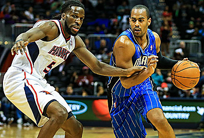 Arron Afflalo scores 26 points on 9-of-18 shooting for Orlando, which wins away from home for the first time since March 4. (USATSI)
