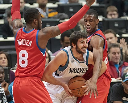 The Sixers have the Timberwolves in a bind in the first half, but Ricky Rubio and his teammates wriggle their way out of it.  (USATSI)