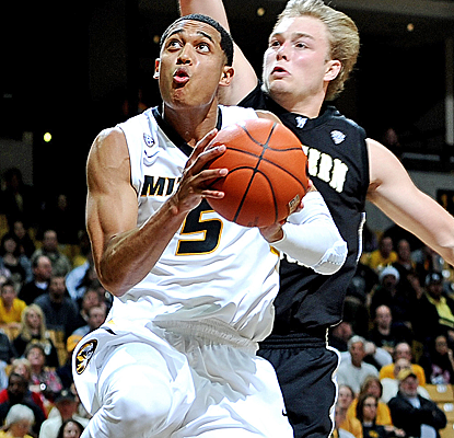 Missouri's Jordan Clarkson drives the lane for two of his 12 points as the Tigers escape Western Michigan.  (USATSI)