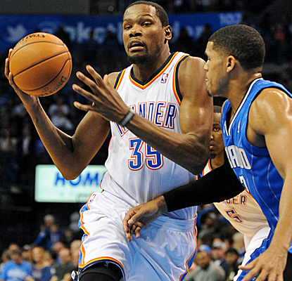 Kevin Durant posts 28 points, and the Thunder win their 12th consecutive home game to start the season.  (USATSI)